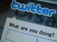 Qu'est-ce que tu fais… Twitter ?!