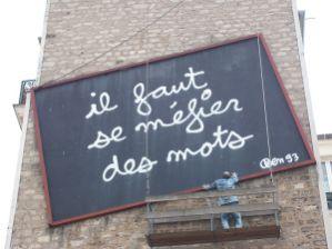 800px-Il_faut_se_méfier_des_mots